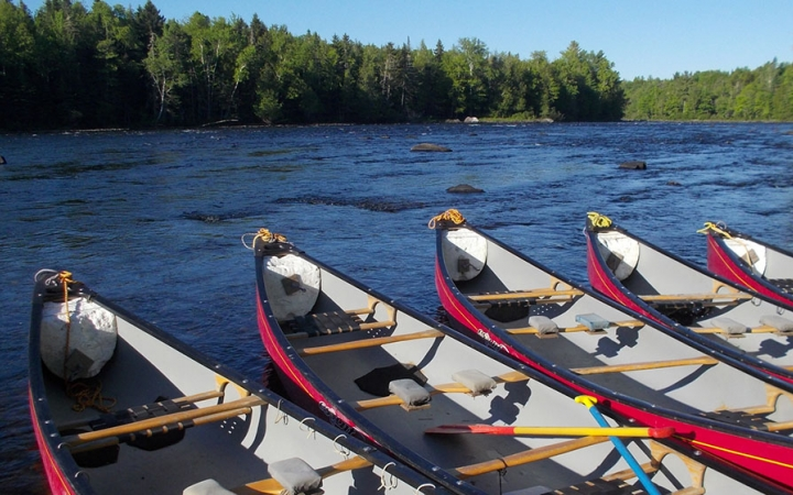 teens learn how to canoeing in maine