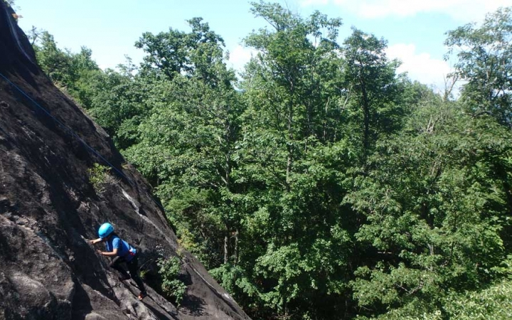rock climbing camp for teens in north carolina