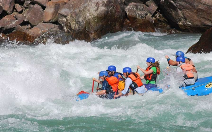 rafting expedition for young adults in oregon