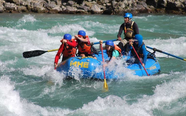 whitewater rafting trip in oregon