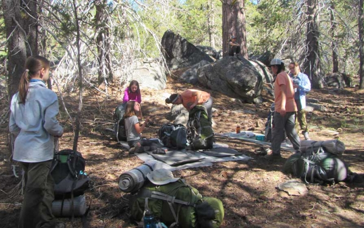 girls backpacking trip in california