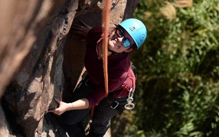 struggling teens character development rock climbing in texas
